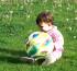 Így fejleszti a labda a baba készségeit